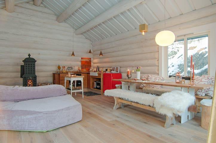 5*TLC The Log Cabin near Stockholm.Spa,Sea,Forest! - Värmdö SV - Oda + Kahvaltı