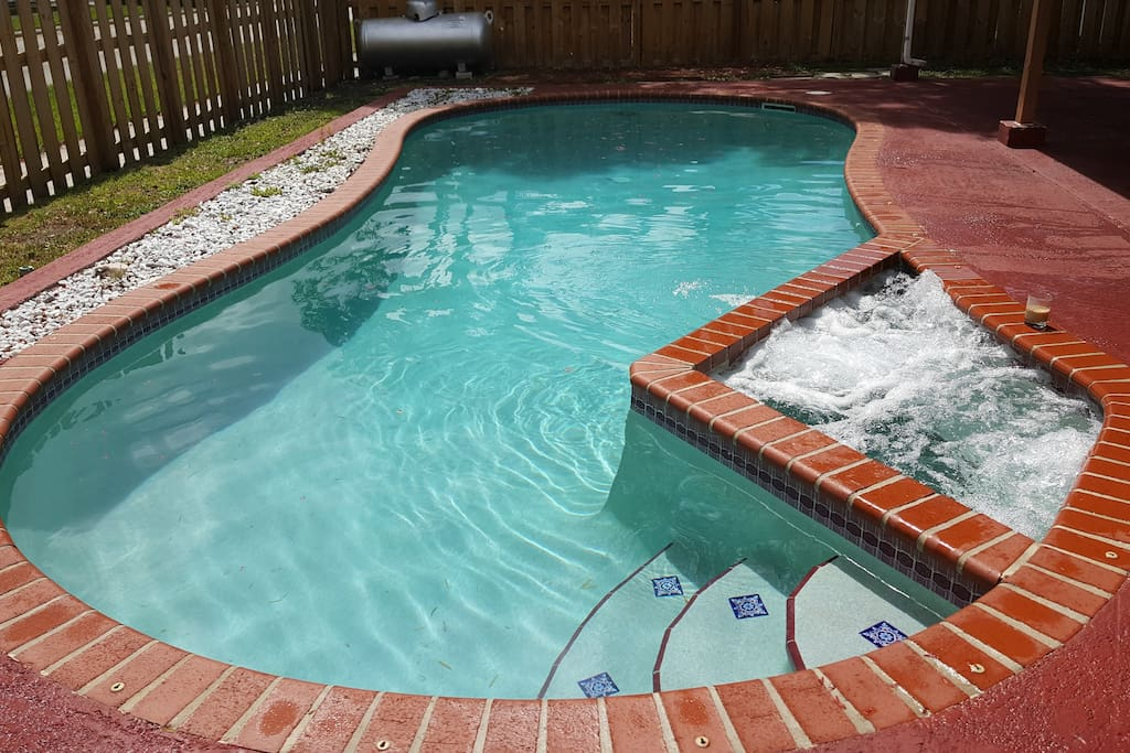 ~ 2-Person Hotub ~ Privacy Fence