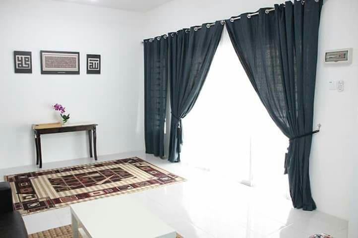 Cikgu Az Homestay Seri Iskandar - Seri Iskandar