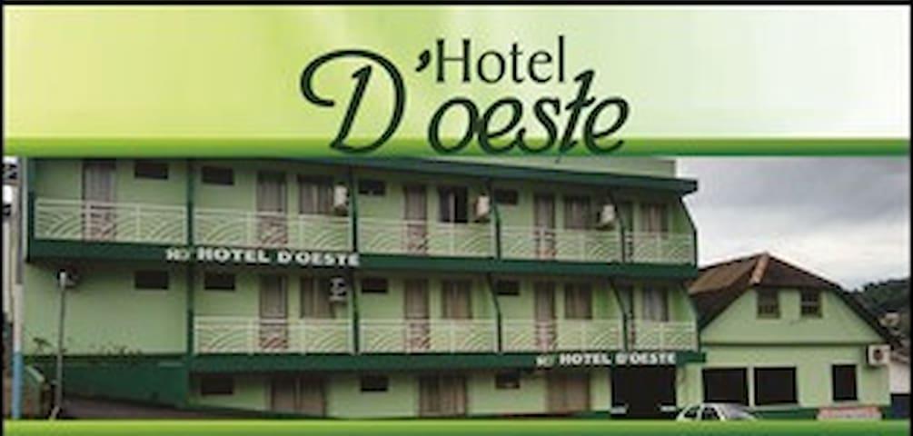 Hotel d'Oeste