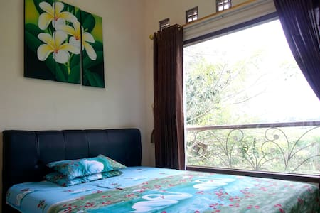 quiet room  with a wonderful view - Rumah
