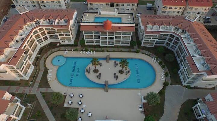 Lüks 2+1 teraslı, ayrı girişli, plaja 500 m daire