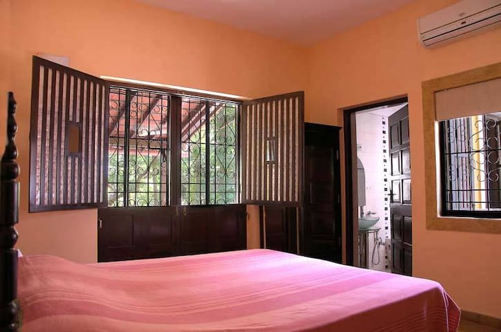 """Apricot"" Boutique Rooms at Ribandar - Ribandar - Huvila"