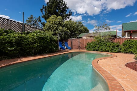 Cozy family home with a pool | Kingswood 3BR House