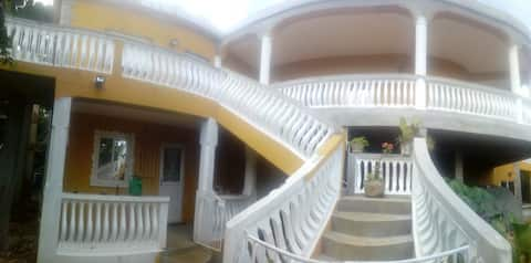 beautiful Large 2 bed house Dumfermline Grenada
