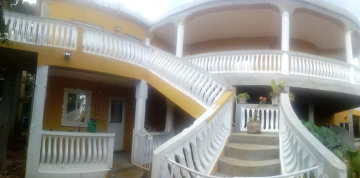 beautiful Large 2 bed house Dumfermline Grenada