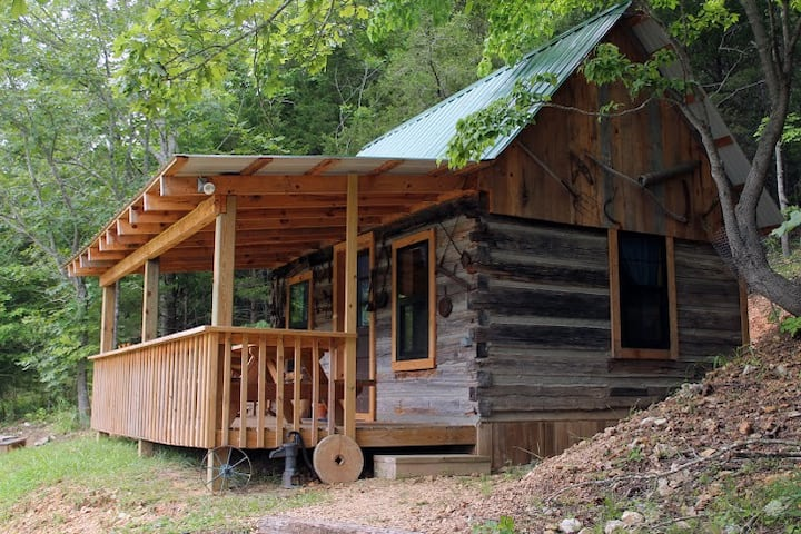 Rustic Lakeside Log Cabin at Crystal Creek Ranch