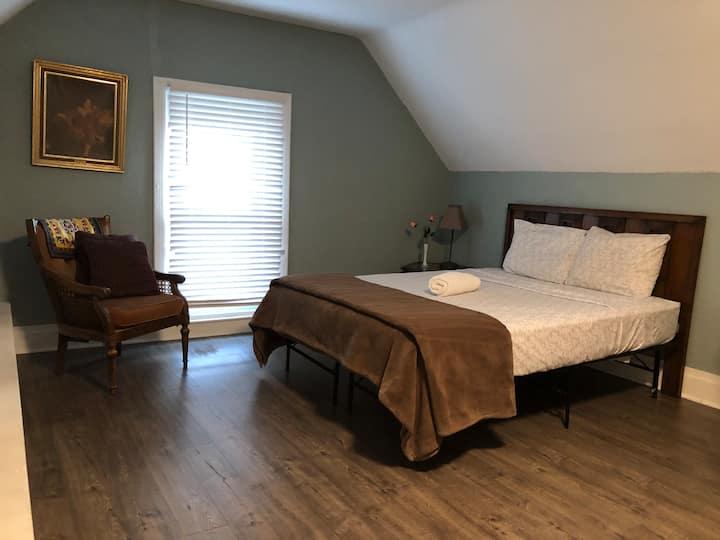 绿五Third floor clean private room 整洁单间