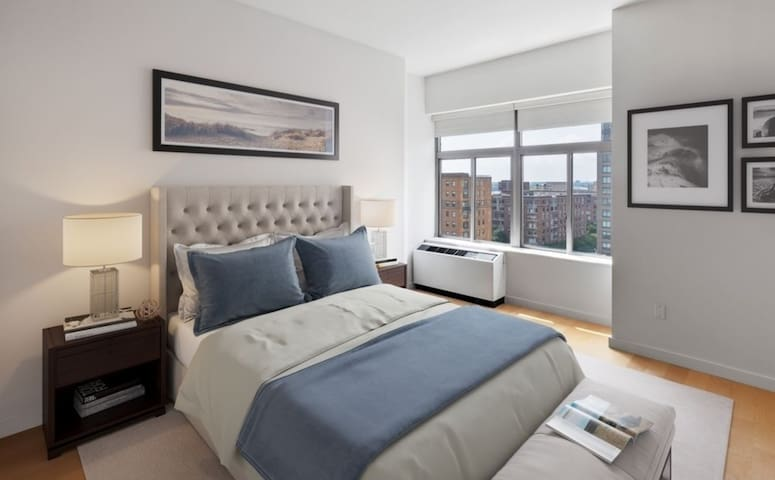 Panoramic Water and NYC VIEWS! HIGH FLOOR