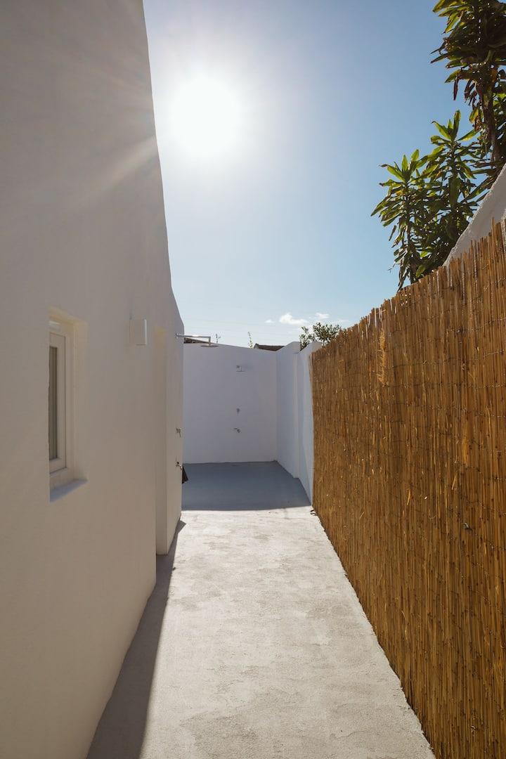 Beach, Surf and City - 2 bedroom villa