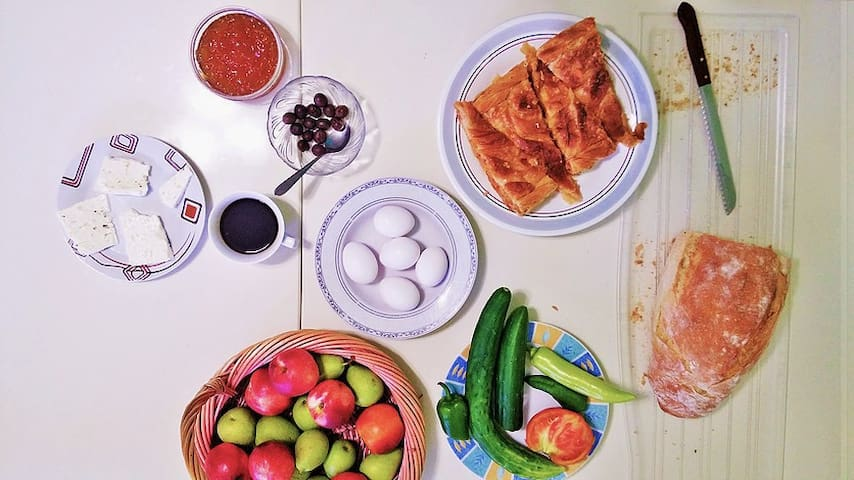 A typical breakfast spread. Fresh ingredients from our garden and around Himara.