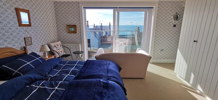 Privates Gästezimmer mit eigenem Bad und Terrasse