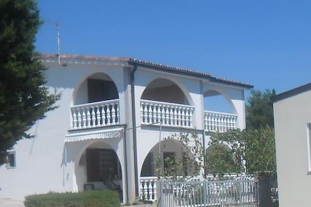 Vila Leona Pirovac / apartment no 2 - Pirovac
