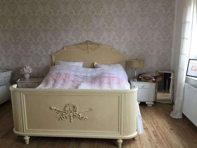 """Zimmer im """"alten Kindergarten"""" im Vintage-Stil"""