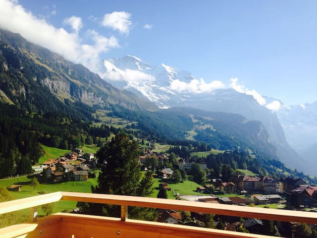 Apartment on the sunny side of Wengen
