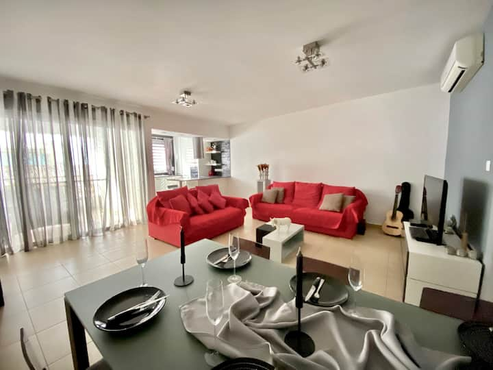 Sirena a modern and cosy 2 bedroom apartment !