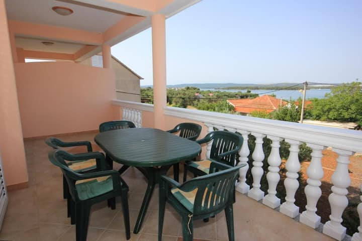 Two bedroom apartment with terrace and sea view Kraj, Pašman (A-331-a)