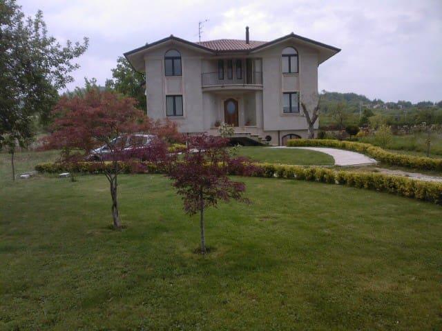 La casa immersa nella tranquillità e nella natura - Campo di Nusco - Rumah