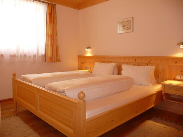 Apartment mit 2 Schlafzimmern (4 Personen)