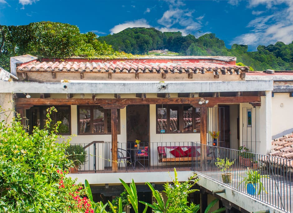 Your cozy home away from home... in Central Antigua!! Just two blocks from Central Park!
