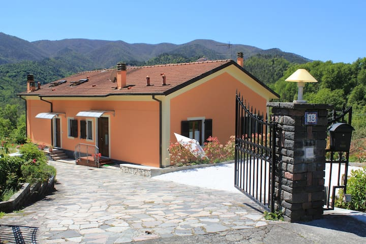 La CoLLina del Moro - Beverino - House