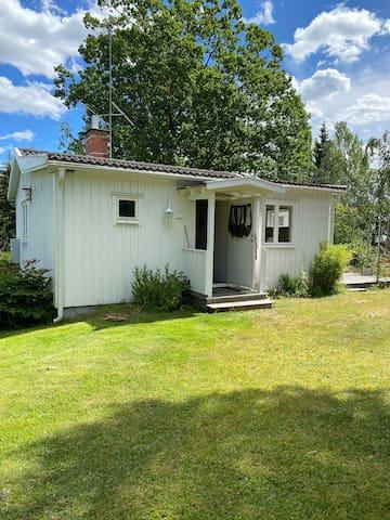 Eget hus/stuga 25 minuter från Stockholms city