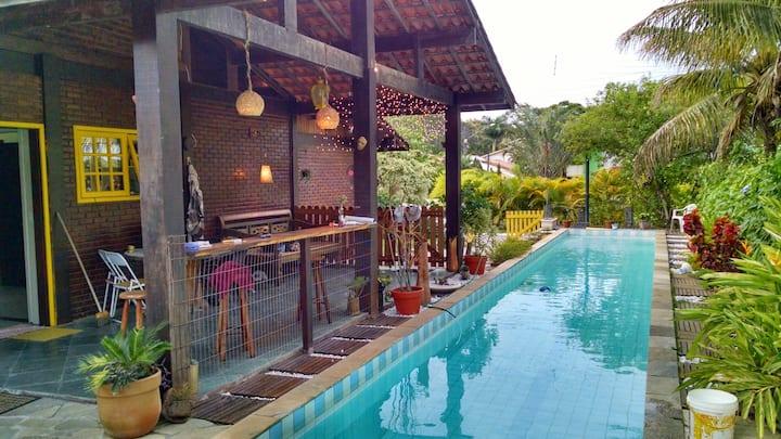 Casa com Piscina - Condomínio Verde