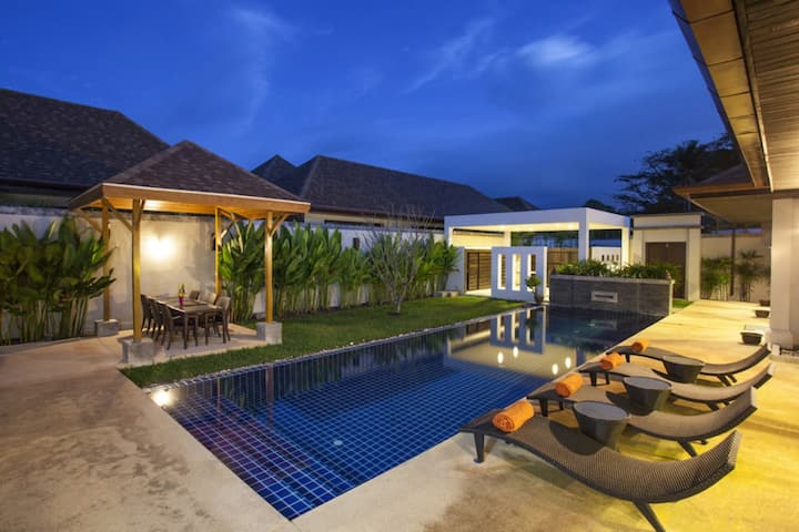 Exotic Boutique Pool Villa in Rawai, 4 Bedrooms