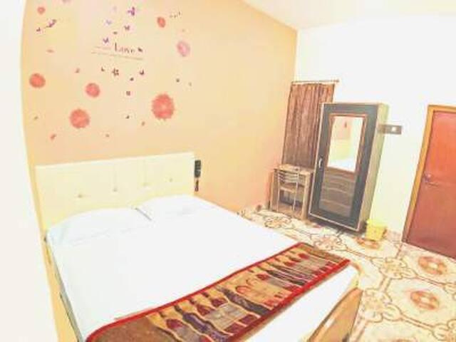 Superior Double Fan Room At Assi Varanasi IV