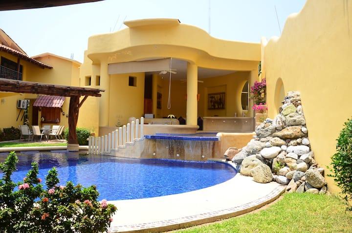 Casa Gema #1 Bien ubicada, alberca y playa cercana