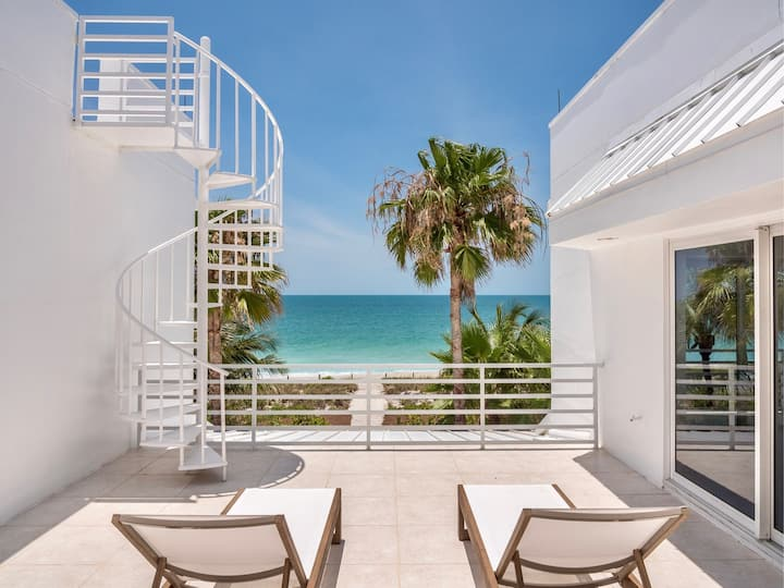 Dream Home Captiva Island Stunning Work of Art with Hot Tub - steps to the sand