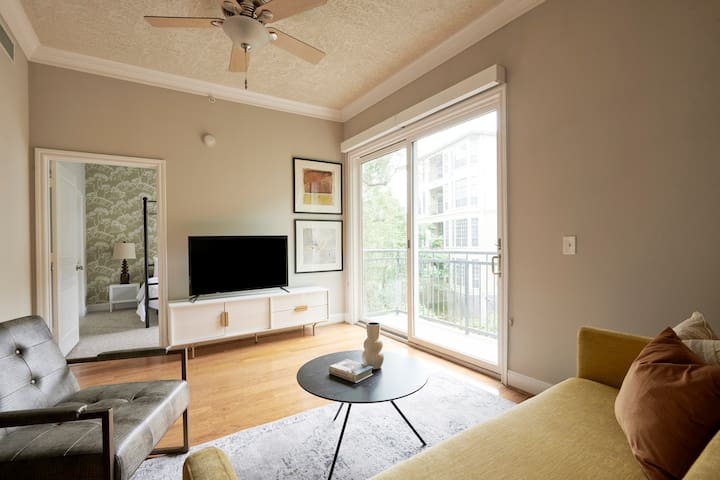 Sonder | Bayou on The Bend | Relaxed 2BR + Pool