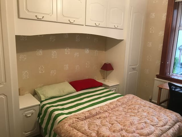 Ideal comfortable base for a stay in Edinburgh