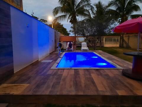 Casa em Frente a praia paradisíaca com piscina