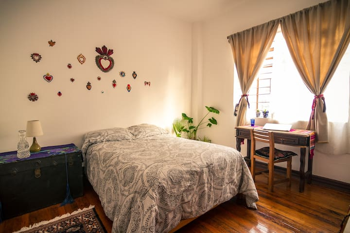 Charming sunny room in the heart of Mexico City - Centro - Apartment