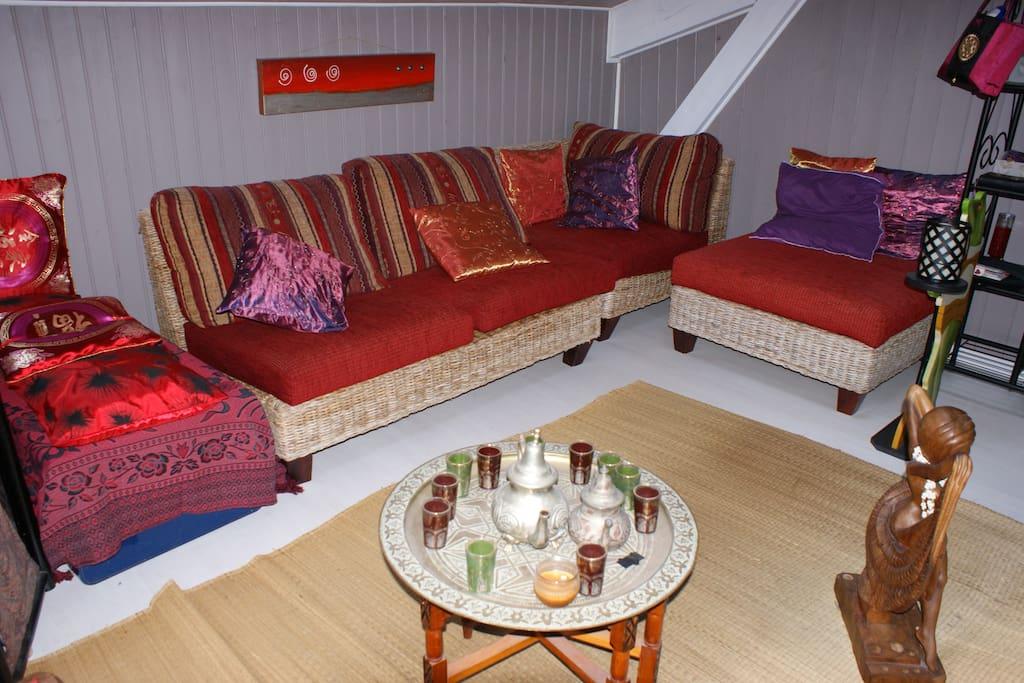 chambre 33m2 style oriental maisons louer le porge aquitaine france. Black Bedroom Furniture Sets. Home Design Ideas