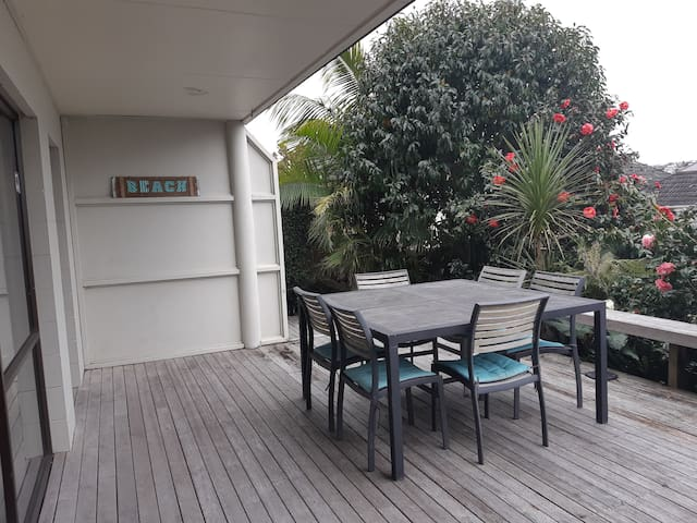 Rangitoto Retreat