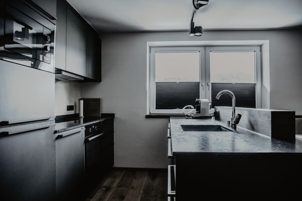 BLACK EAGLE LUXURY APPARTEMENT - HOME - KITCHEN