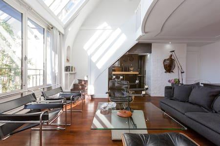Designer Penthouse Loft with Eiffel Tower View - Paris