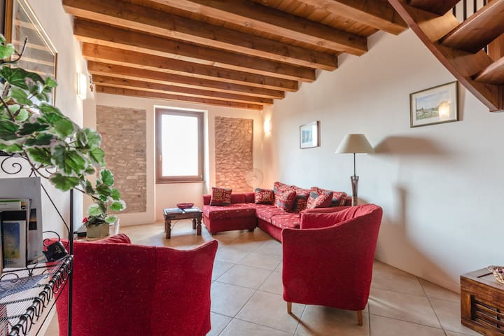 Rustic Apartment 5a, nr Lake Garda - Cavriana