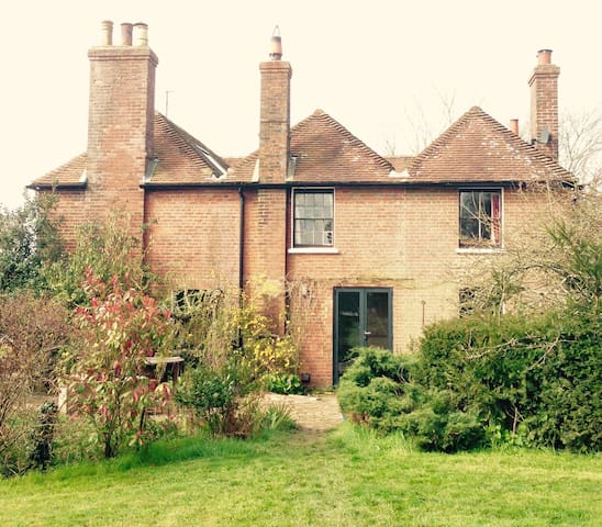 EXQUISITE LARGE COUNTRY HOME - Nr Hailsham - Hus