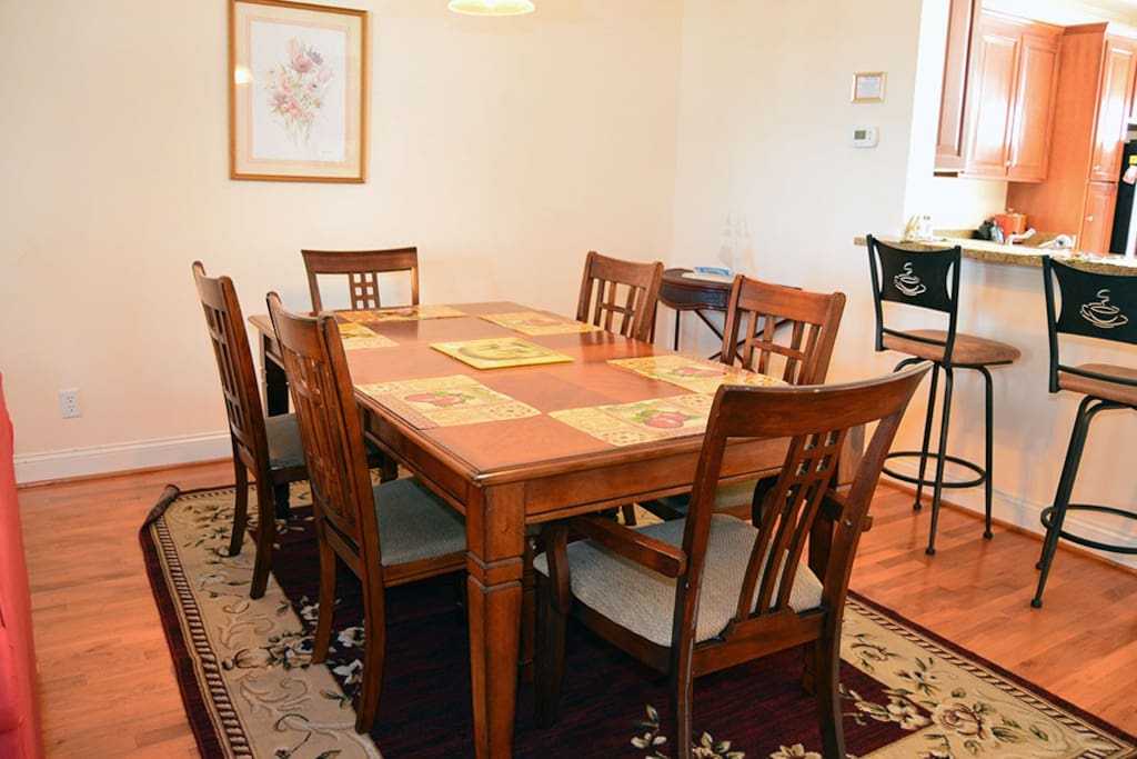 The Alexander Mini Mansion Townhome 202B - Dining Area