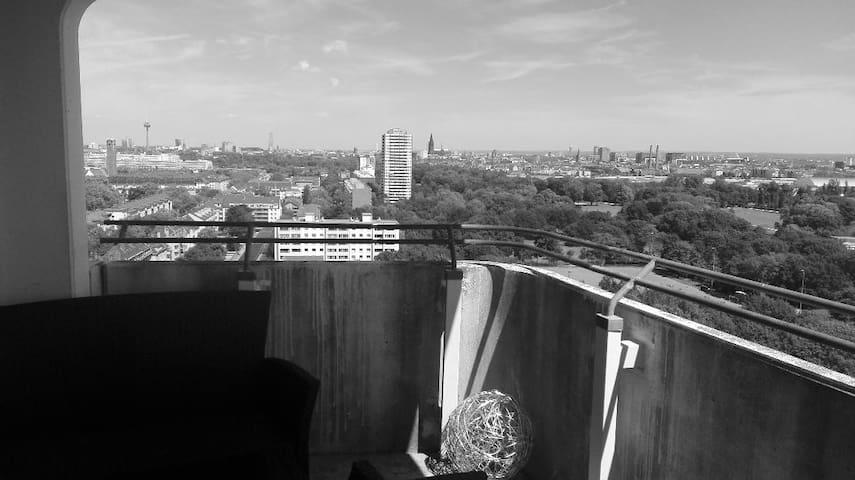 Über den Dächern von Köln mit Domblick <3