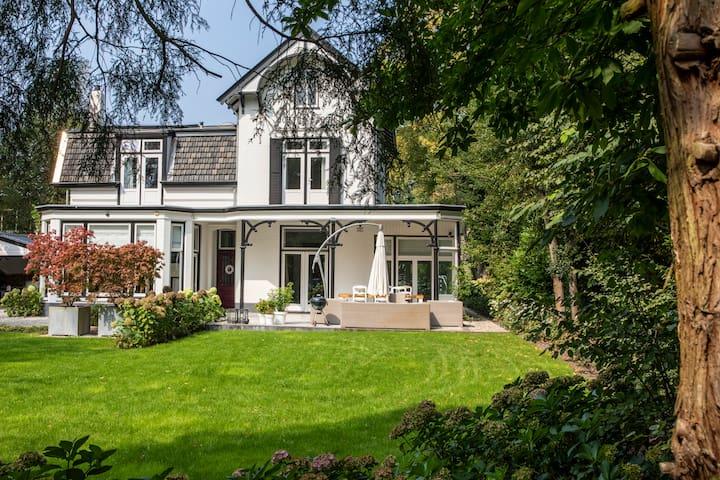 Exclusive family Villa -Centre of Laren 8 persons
