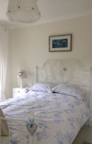 Double bedroom in Somerset character cottage. - Stoke Saint Michael - Rumah