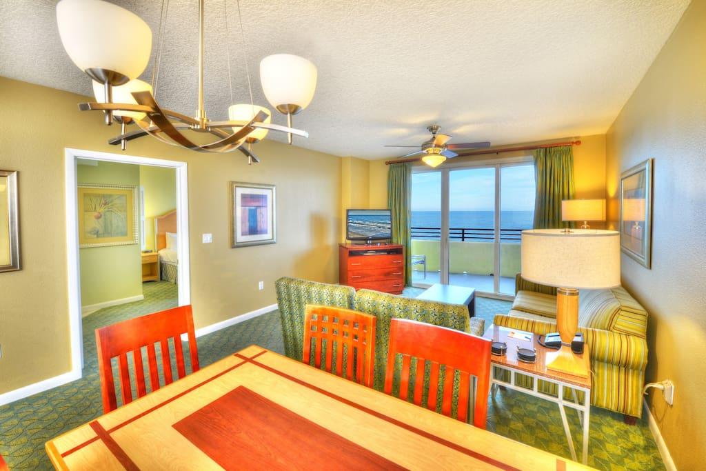 3 Bedroom Sleeps 10 Ocean Walk Resort Condominiums For Rent In Daytona Beach Florida