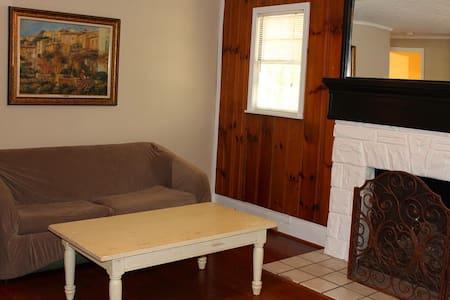 2 bedroom cottage - Nancy