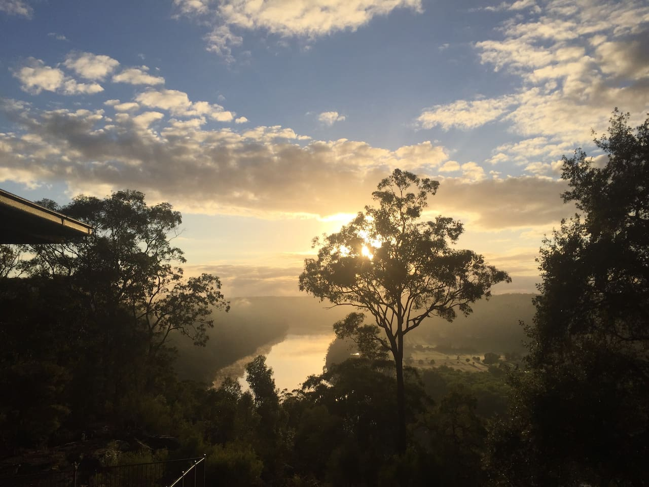 The 15 hectare property overlooks the mystical Hawkesbury River.