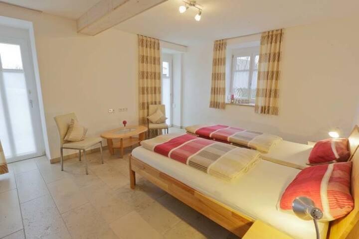 Ferienhaus Wimbauer (Nennslingen), Ferienwohnung Frankenjura - Barrierefrei mit Terrasse