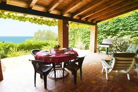 OLIVENBAUMHAUS: Veranda, Meerblick - Rocca di Capri Leone